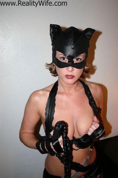 Опасная девушка кошка