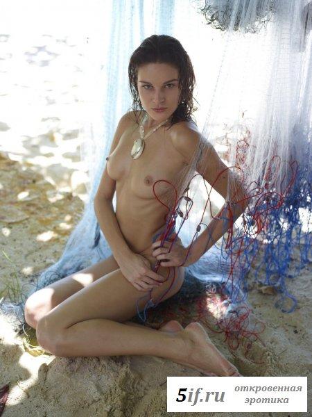 Секси соска в морском царстве.