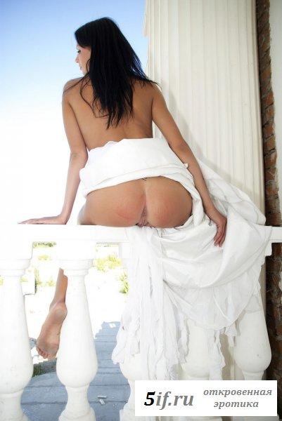 Шикарная сучка в элитном особняке (10 фото)