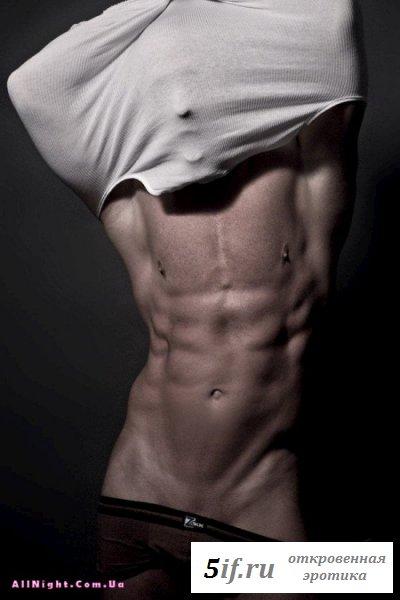Мужчины с накаченным сексуальным телом
