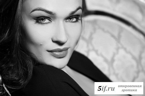 Сногшибательная Алёна Водонаева в эротических фотографиях