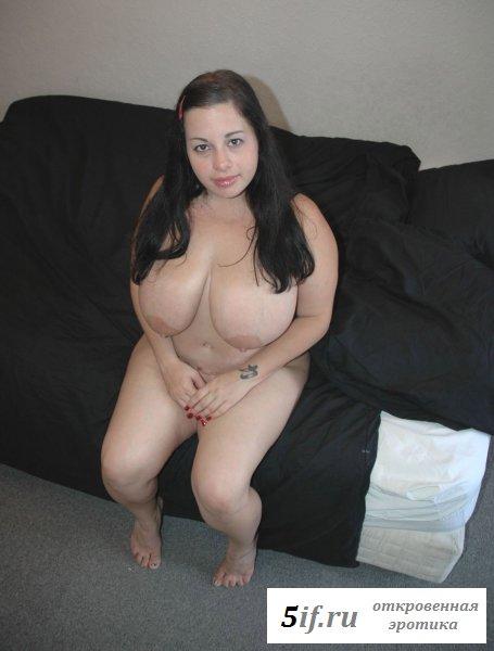 Дойки добрых голых толстушек