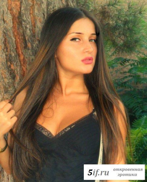 Молодые грузиночки в красивых платьях