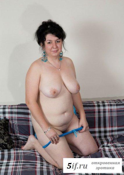 Обвисшая грудь толстой девки
