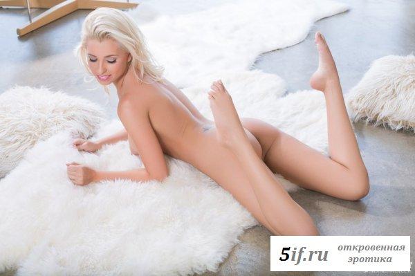 Божественное тело сексапильной девушки