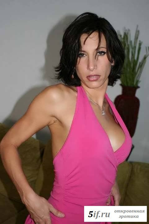 Симпатичная голая женщина массирует грудь (29 фото эротики)