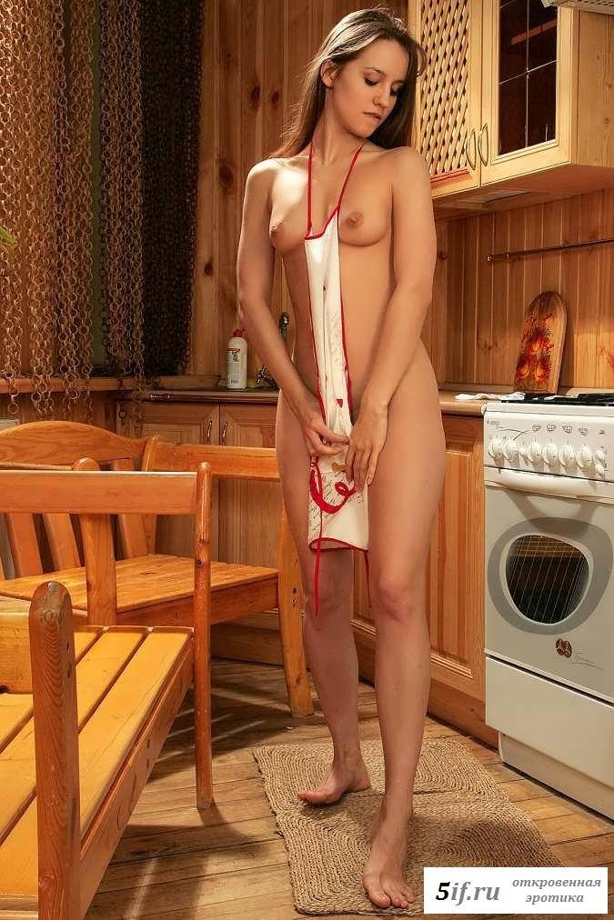 Милая грудь раздетой горничной для парня (20 фото эротики)