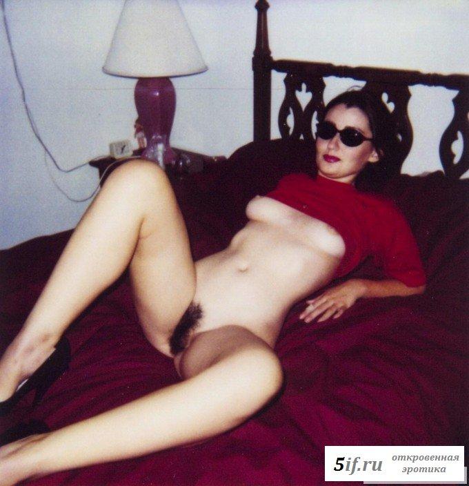Сексуальные куртизанки очаровывают голыми телами