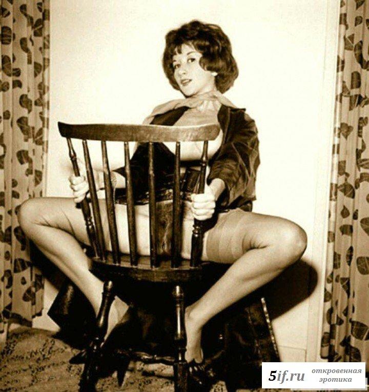 Сексуальные бабы восьмидесятых демонстрируют волосатые киски