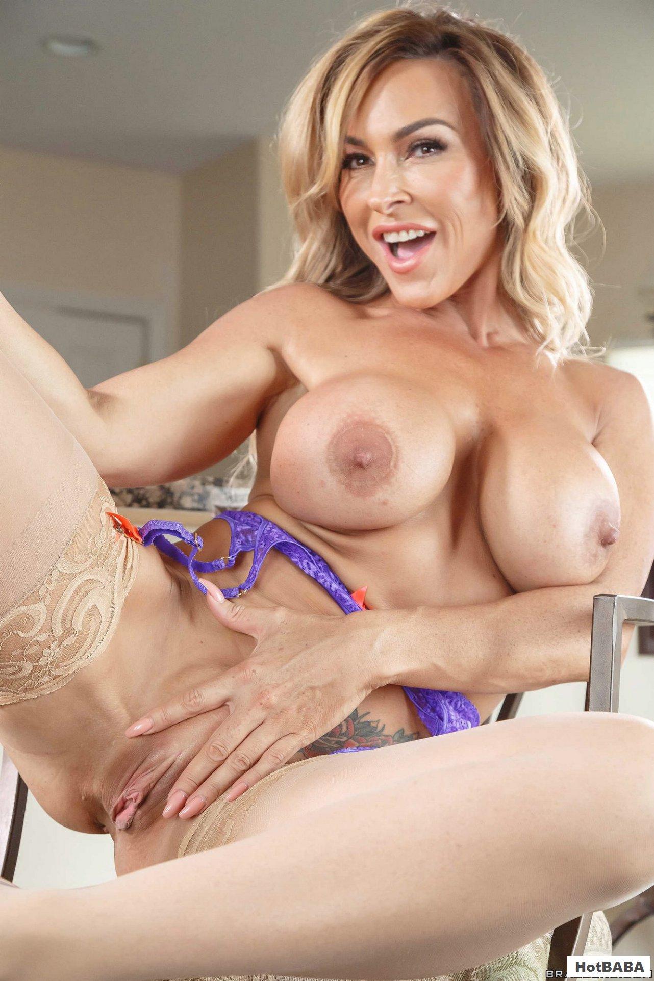 Aubrey Black Nude